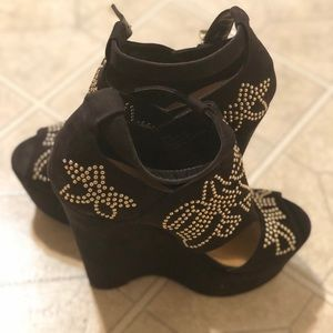 JustFab heels! Extremely high heel! Worn once!